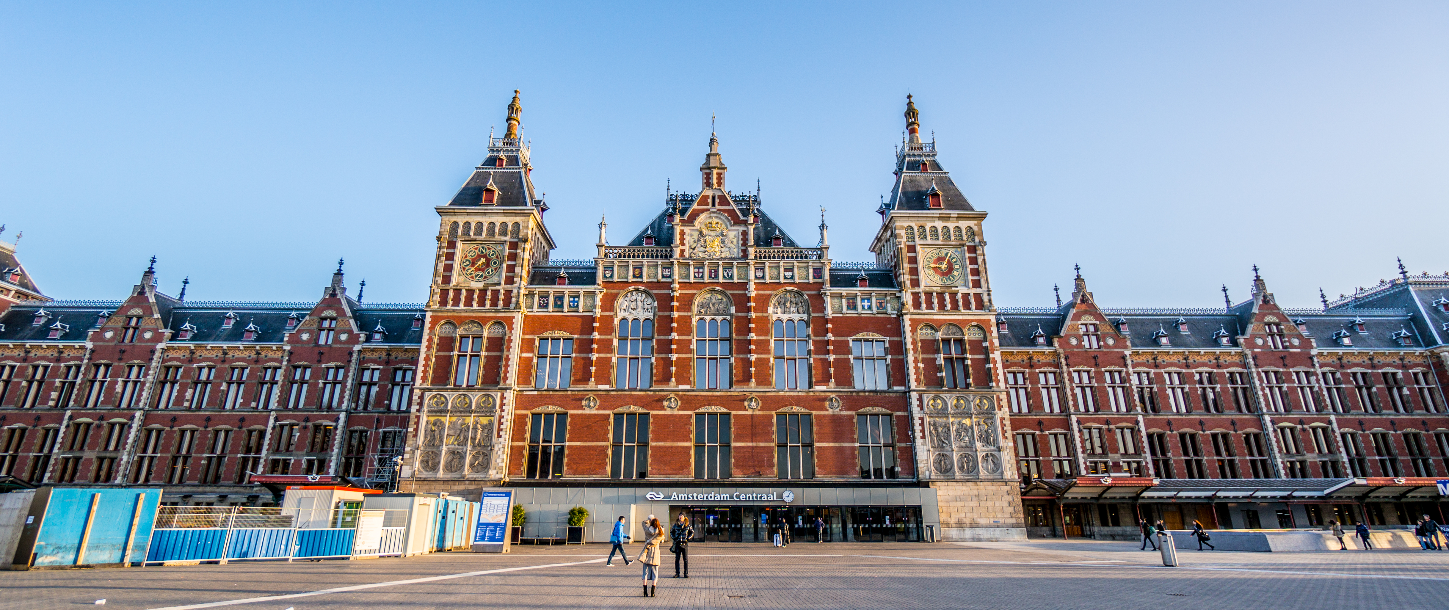 Amsterdam_Central_Station1